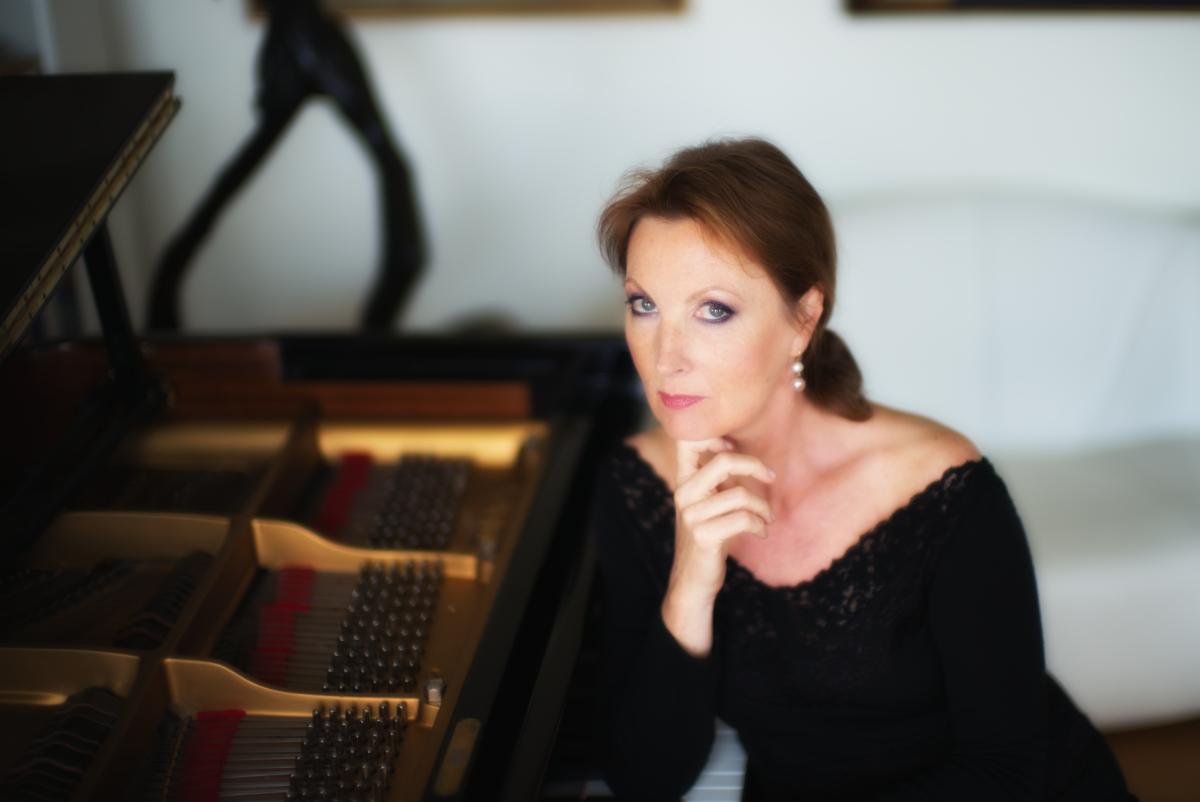 Mūza Rubackytė, piano (version longue)